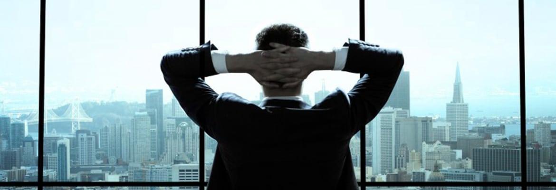 man-alone-in-office-786x305.jpg